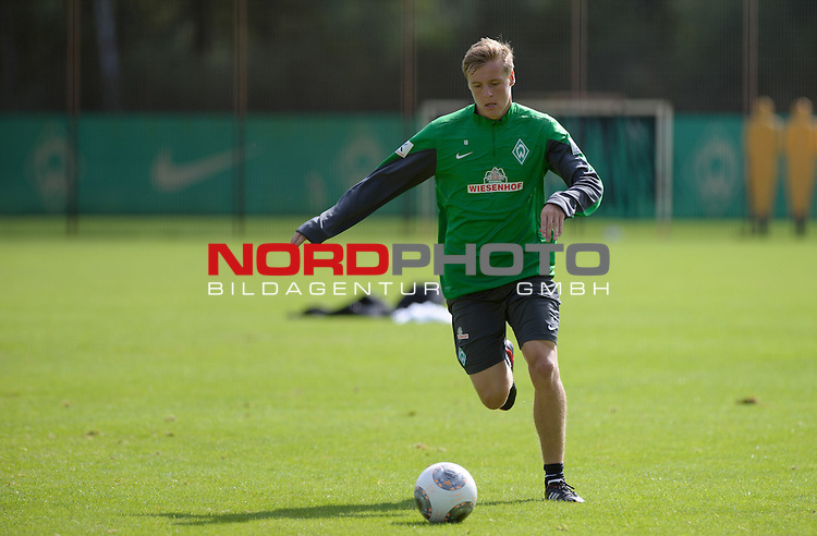 14.08.2013, Trainingsgelaende, Bremen, GER, 1.FBL, Training Werder Bremen, im Bild Felix Kroos (Bremen #18)<br /> <br /> Foto &copy; nph / Frisch