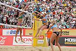 31.05.2015, Moskau, Vodny Stadion<br /> Moskau Grand Slam, Main Draw / Finale<br /> <br /> Block Talita Antunes (#2 BRA) - Angriff Madelein Meppelink (#2 NED)<br /> <br />   Foto &copy; nordphoto / Kurth