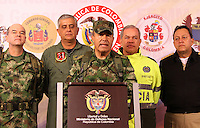 "BOGOTA-COLOMBIA-1-02-2013 .El comandante de las Fuerzas Armadas de Colombia ,general Alejandro Navas durante la conferencia de prensa en el ministerio de defensa nacional donde informó al  país la muerte en combate del jefe guerrillero del quinto frente de  las FARC ,alias ""Jacobo Arango"" y seis guerrilleros más en el departamento de Córdoba. (Foto/VizzorImage / Felipe Caicedo / Staff). BOGOTA-COLOMBIA-1-02-2013. Commander of the Armed Forces of Colombia, General Alejandro Navas during the press conference at the Ministry of Defence where the country reported the death in combat of guerrilla leader of the fifth against the FARC , alias ""Jacobo Arango"" and six other guerrillas in the department of Cordoba. ., (Photo / VizzorImage / Felipe Caicedo / Staff)."
