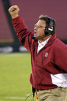 Kent Baer yells at the defense during Stanford's 38-22 win over Boston College on September 8, 2001 at Stanford Stadium.<br />Photo credit mandatory: Gonzalesphoto.com