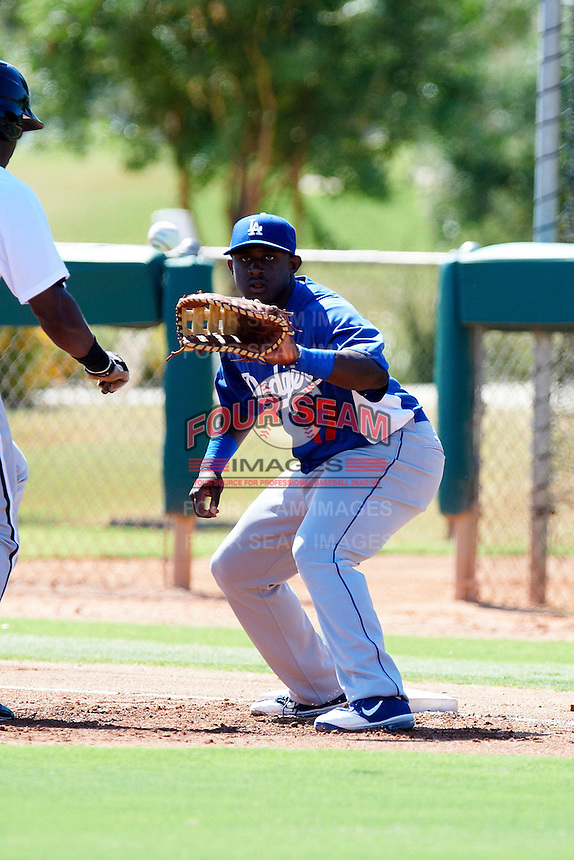 Los Angeles Dodgers minor league infielder O'Koyea Dickson #17 during an instructional league game against the Chicago White Sox at the Camelback Training Complex on October 9, 2012 in Glendale, Arizona. (Mike Janes/Four Seam Images)