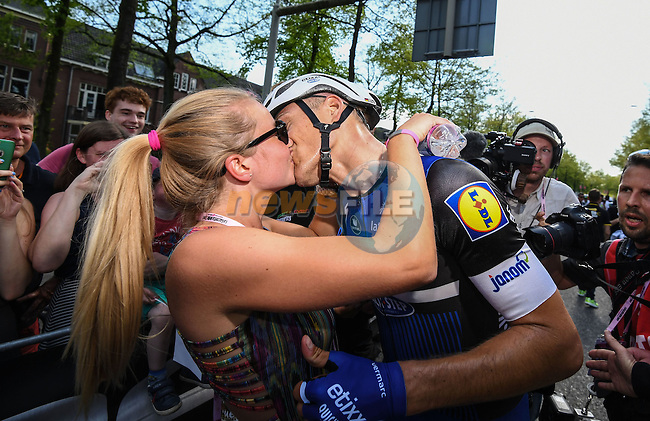 Marcel Kittel (GER) Etixx-Quick Step gets a kiss from his Dutch girlfriend after winning Stage 2 of the 2016 Giro d'Italia running 190km from Arnhem to Nijmegen, The Nethrerlands. 7th May 2016.<br /> Picture: ANSA/Alessandro Di Meo   Newsfile<br /> <br /> <br /> All photos usage must carry mandatory copyright credit (&copy; Newsfile   Eoin Clarke)