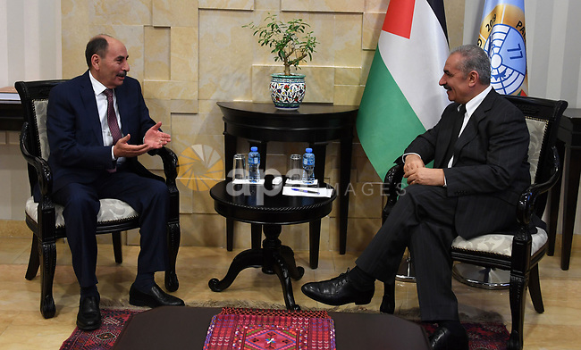 Palestinian Prime Minister Mohammad Ishtayeh, meets with Jordanian Minister of Works,  in the West Bank city of Ramallah, September 19 2019. Photo by Prime Minister Office
