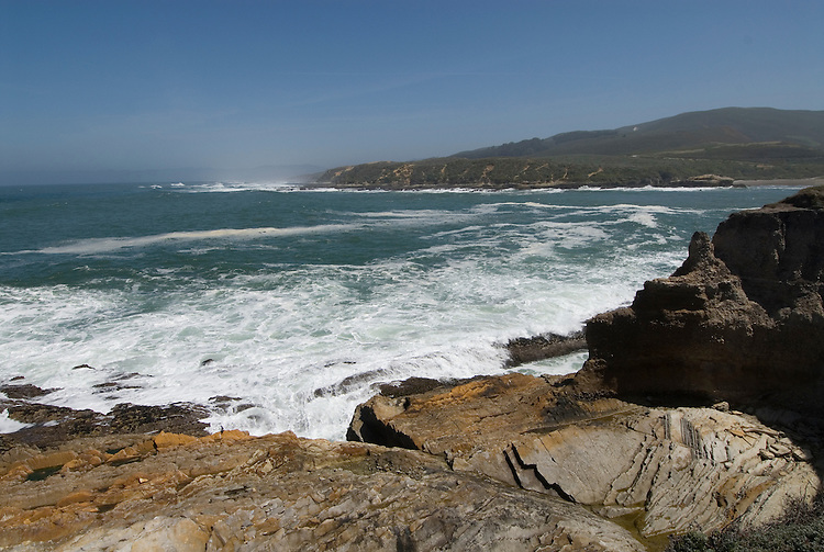 California, San Luis Obispo County: Montana de Oro state park offers scenic coastal views and tide pool exploring..Photo caluis181-71231.Photo copyright Lee Foster, www.fostertravel.com, 510-549-2202, lee@fostertravel.com