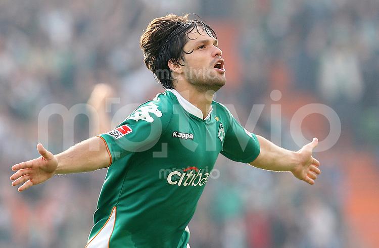 FUSSBALL   1. BUNDESLIGA   SAISON 2007/2008  6. SPIELTAG SV Werder Bremen - VfB Stuttgart    DIEGO (Bremen) bejubelt seinen Treffer zum 4:1