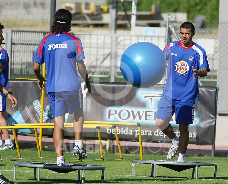 Getafe's Cosmin Contra (r) during training sesion.August 6 2009. (ALTERPHOTOS/Acero).