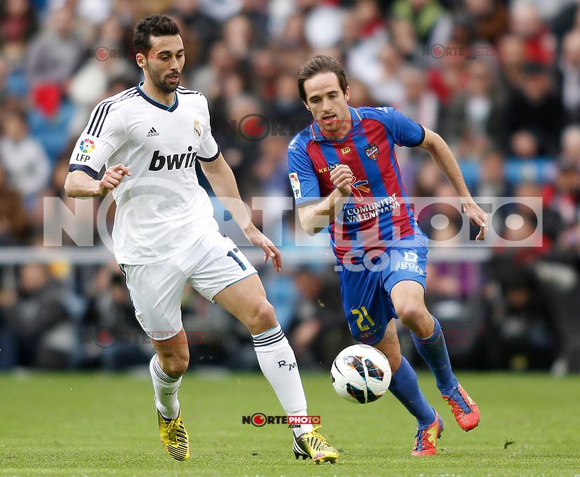 Real Madrid's Arbeloa and Levante's Michel during La Liga BBVA match. April 6, 2013.(ALTERPHOTOS/Alconada)
