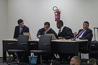 SAO LUIZ,MA, 03.02.2014 - JULGAMENTO CASO DÉCIO SÁ - SÃO LUIS - MA -No primeiro dia de julgamento do caso Décio Sá, jornalista que foi assassinado  no dia 23 de abril 2012, em um bar na Avenida Litorânea em São Luis, foram ouvidas as testemunhas de defesa, muitas delas não quizeram depor napresença dos acusados por medo de algum tipo de represália.Julgamento realizado no Forum Desembargador Sarney no bairro Calhau na cidade de Sao Luis do Maranhao. (Foto: Jardiel Carvalho/Brazil Photo Press).
