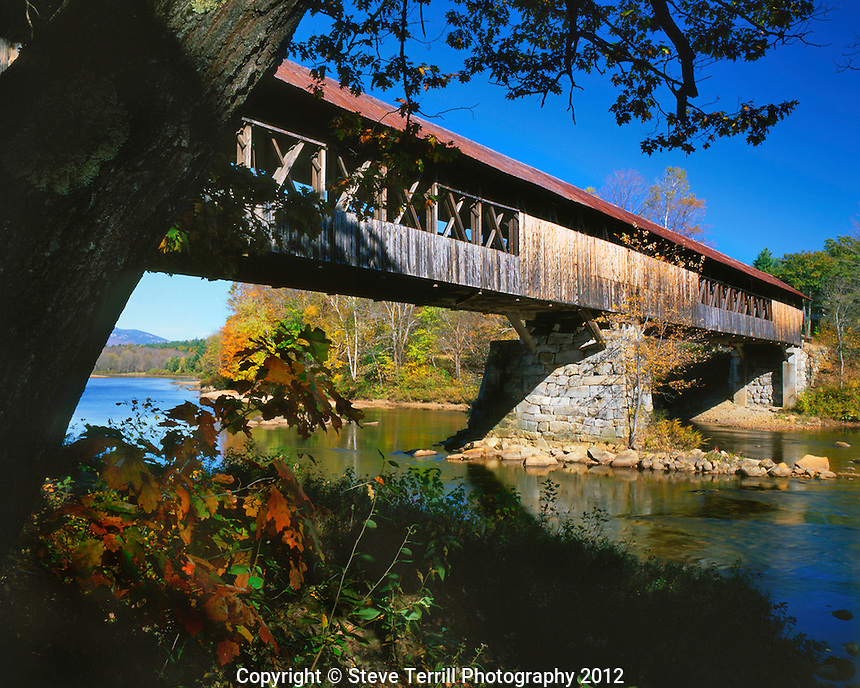 USA, New Hampshire, Blair Bridge spanning the Pemigewasset River in Campton.