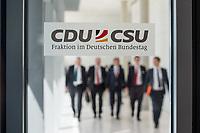 Mitglieder der CSU, nach waehrend einer ausserordentlichen Sitzung der CDU/CSU-Fraktion nachdem es zwischen der CDU und der CSU zum Streit ueber den Umgang mit Fluechtlingen gab. Die Sitzung des Deutschen Bundestag wurde aufgrund dieses Streit auf Antrag der CDU/CSU-Fraktion fuer mehrere Stunden unterbrochen. Die Fraktionen von CDU und CSU tagten getrennt.<br /> 14.6.2018, Berlin<br /> Copyright: Christian-Ditsch.de<br /> [Inhaltsveraendernde Manipulation des Fotos nur nach ausdruecklicher Genehmigung des Fotografen. Vereinbarungen ueber Abtretung von Persoenlichkeitsrechten/Model Release der abgebildeten Person/Personen liegen nicht vor. NO MODEL RELEASE! Nur fuer Redaktionelle Zwecke. Don't publish without copyright Christian-Ditsch.de, Veroeffentlichung nur mit Fotografennennung, sowie gegen Honorar, MwSt. und Beleg. Konto: I N G - D i B a, IBAN DE58500105175400192269, BIC INGDDEFFXXX, Kontakt: post@christian-ditsch.de<br /> Bei der Bearbeitung der Dateiinformationen darf die Urheberkennzeichnung in den EXIF- und  IPTC-Daten nicht entfernt werden, diese sind in digitalen Medien nach &szlig;95c UrhG rechtlich geschuetzt. Der Urhebervermerk wird gemaess &szlig;13 UrhG verlangt.]