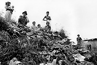 Philippines. Luzon Region. Manila. Tondo area. Smokey mountain is a rubbish dump. Life on a garbage heap. Family, mother and father, and their five children. © 1992 Didier Ruef ..