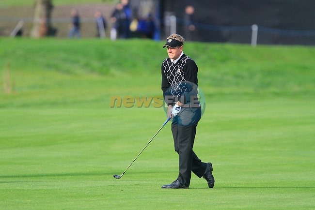 Luke Donald plays his 2nd shot on the 14th hole in the Day 2 session of the overnight Fourball Match 4 during Day 1 of the The 2010 Ryder Cup at the Celtic Manor, Newport, Wales, 29th September 2010..(Picture Eoin Clarke/www.golffile.ie)