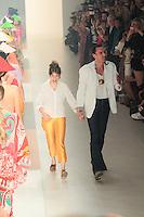 SAO PAULO, SP, 20 MARÇO 2013 - SPFW -  NEON - Modelo durante desfile da grife Neon coleção Primavera-Verão 2013/14, em desfile da São Paulo Fashion Week (SPFW) na Bienal do Ibirapuera na região sul da capital paulista nesta quarta-feira, 20. (FOTO: MONICA SILVEIRA / BRAZIL PHOTO PRESS).