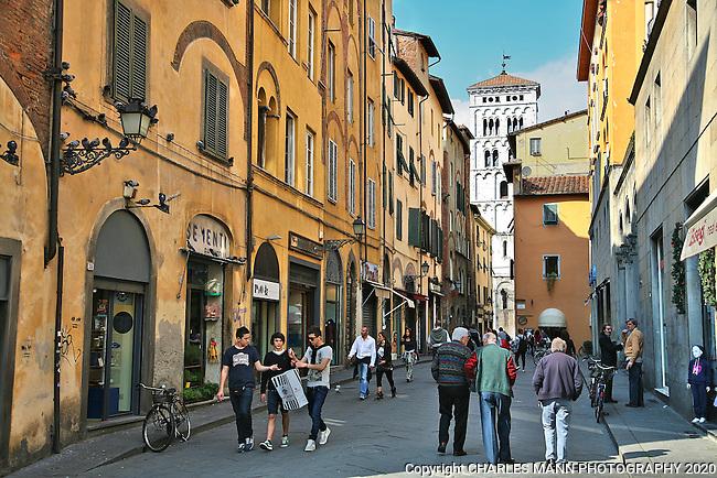 Lucca street scene.