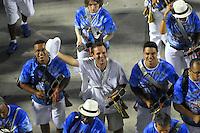 RIO DE JANEIRO - RJ - DIA 11 DE FEVEREIRO DE 2012.<br /> Na noite de s&aacute;bado (11) ensaio t&eacute;cnico da escola de samba Portela, na Marques de Sapuca&iacute;, situada no centro da cidade do Rio de Janeiro - RJ, no samb&oacute;dromo.<br /> Eduardo Paes, prefeito da cidade do Rio de Janeiro - RJ, na bateria tocando ag&ocirc;go.FOTO: RONALDO BRAND&Atilde;O/NEWSFREE