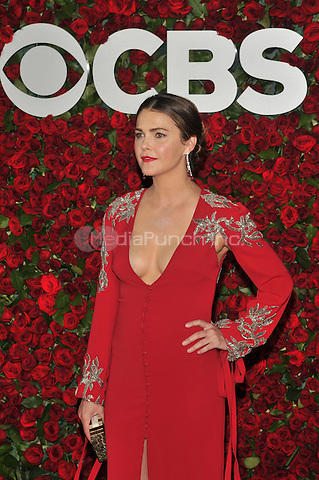 NEW YORK, NY - JUNE 12: Keri Russell at the 70th Annual Tony Awards at The Beacon Theatre on June 12, 2016 in New York City. Credit: John Palmer/MediaPunch