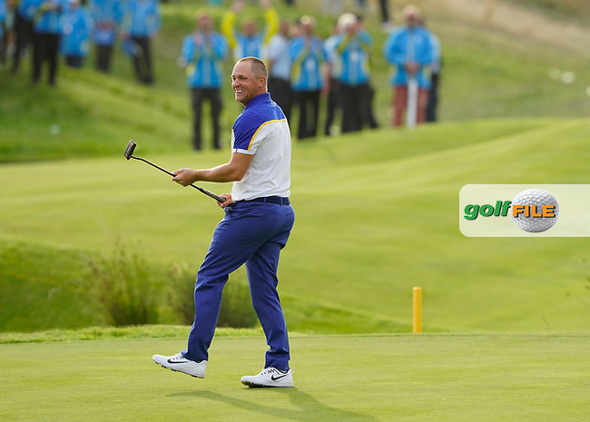 Alex Noran (Team Europe) celebrating his win on the 18th during the singles matches at the Ryder Cup, Le Golf National, Ile-de-France, France. 30/09/2018.<br /> Picture Fran Caffrey / Golffile.ie<br /> <br /> All photo usage must carry mandatory copyright credit (© Golffile | Fran Caffrey)