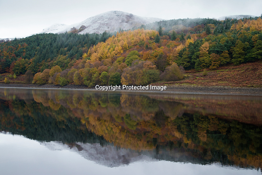 10/11/16<br /> <br /> Autumn meets winter as wonderful seasonal colours are tinged with white snow and ice on Ladybower Reservoir in the Derbyshire Peak District, <br /> <br /> All Rights Reserved F Stop Press Ltd. (0)1773 550665   www.fstoppress.com