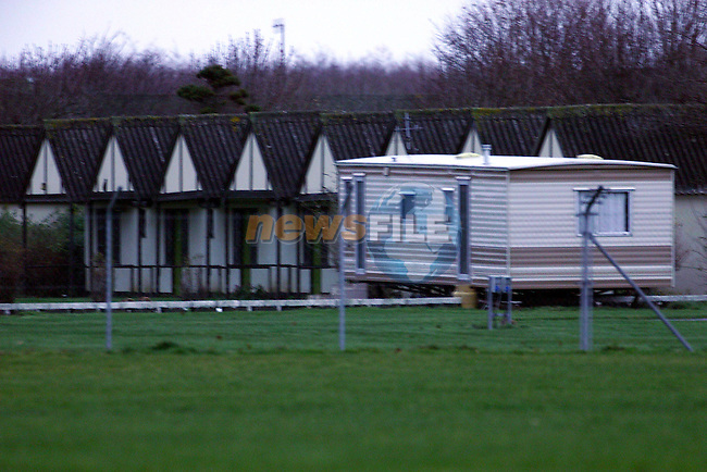 Caravans  in front of the chalets in Mosney Holiday Centre .Pic Fran Caffrey Newsfile.©Newsfile Ltd.