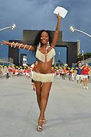 ATENÇÃO EDITOR FOTO EMBARGADA PARA VEÍCULOS INTERNACIONAIS - SÃO PAULO, SP, 02 DE FEVEREIRO DE 2013 - ENSAIO TÉCNICO LEANDRO DE ITAQUERA - Ensaio técnico da Escola de Samba Leandro de Itaquera na preparação para o Carnaval 2013. O ensaio foi realizado na tarde deste sábado (02) no Sambódromo do Anhembi, zona norte da cidade. FOTO LEVI BIANCO - BRAZIL PHOTO PRESS