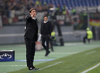 Calcio, Champions League, Gruppo E: Roma vs Bayer Leverkusen. Roma, stadio Olimpico, 4 novembre 2015.<br /> Roma's coach Rudi Garcia gives indications to his players during a Champions League, Group E football match between Roma and Bayer Leverkusen, at Rome's Olympic stadium, 4 November 2015.<br /> UPDATE IMAGES PRESS/Isabella Bonotto