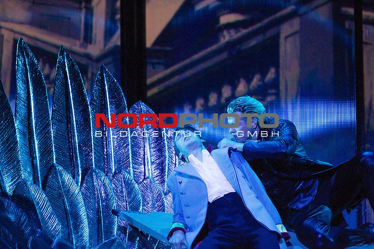 25.03.2015, Deutsches Theater, Muenchen, GER, Musical, Elisabeth im Deutschen Theater, im Bild Kronprinz Rudolf (Thomas Hohler)und Tod (Mark Seibert)<br /> <br />  Foto &copy; nordphoto / Straubmeier
