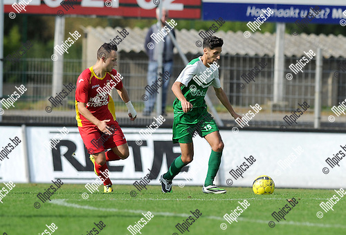 2014-09-21 / Voetbal / seizoen 2014-2015 / Kapellen - Diegem Sport / Nick Van Asch (l. Kapellen) met Achraf Et-Takny<br /><br />Foto: Mpics.be