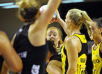 Samantha Sinclair looks to pass during the ANZ Netball Championship match between the Central Pulse and Waikato Bay Of Plenty Magic at TSB Bank Arena, Wellington, New Zealand on Monday, 30 March 2015. Photo: Dave Lintott / lintottphoto.co.nz