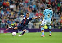 26.07.2012. Glasgow, Scotland. Mens Olympic football preliminary  rounds.  Spain versus Japan. Hiroshi  left Japan against Jordi ALBA right Spain