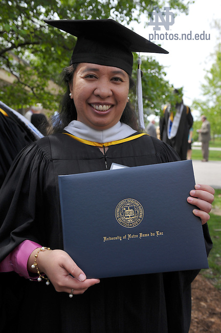 Kroc M.A. Graduate, Commencement 2010..Photo by Matt Cashore/University of Notre Dame