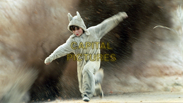 MAX RECORDS .in Where the Wild Things Are.*Filmstill - Editorial Use Only*.CAP/FB.Supplied by Capital Pictures.