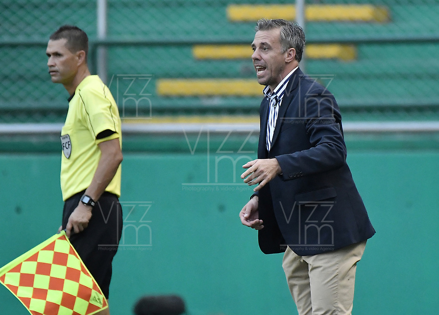 PALMIRA - COLOMBIA, 31-03-2019: Lucas Pusineri técnico del Cali gesticula durante partido por la fecha 12 de la Liga Águila I 2019 entre Deportivo Cali y Cúcuta Deportivo jugado en el estadio Deportivo Cali de la ciudad de Palmira. / Lucas Pusineri coach of Cali gestures during match for the date 12 as part Aguila League I 2019 between Deportivo Cali and Cucuta Deportivo played at Deportivo Cali stadium in Palmira city.  Photo: VizzorImage / Gabriel Aponte / Staff