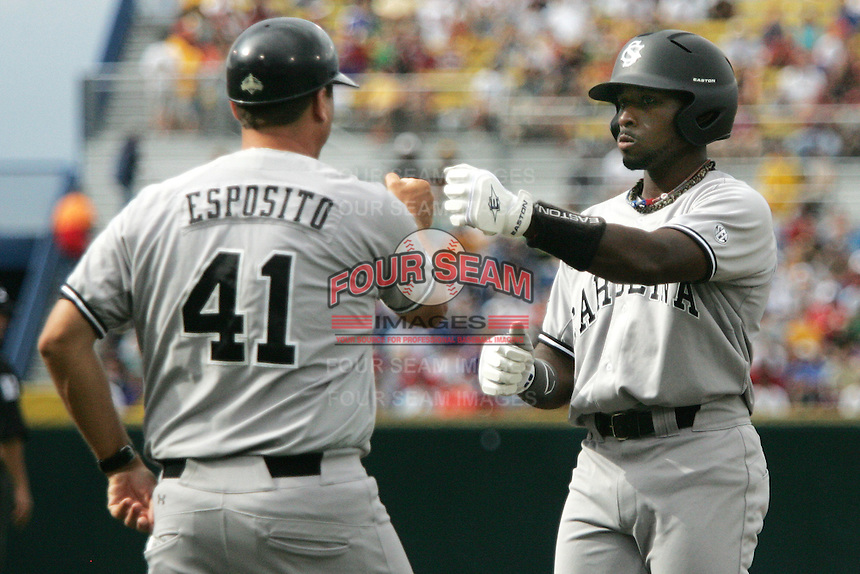 South Carolina's Jackie Bradley Jr. in Game 3 of the NCAA Division One Men's College World Series on Sunday June 20th, 2010 at Johnny Rosenblatt Stadium in Omaha, Nebraska.  (Photo by AJ Woolley / Four Seam Images)