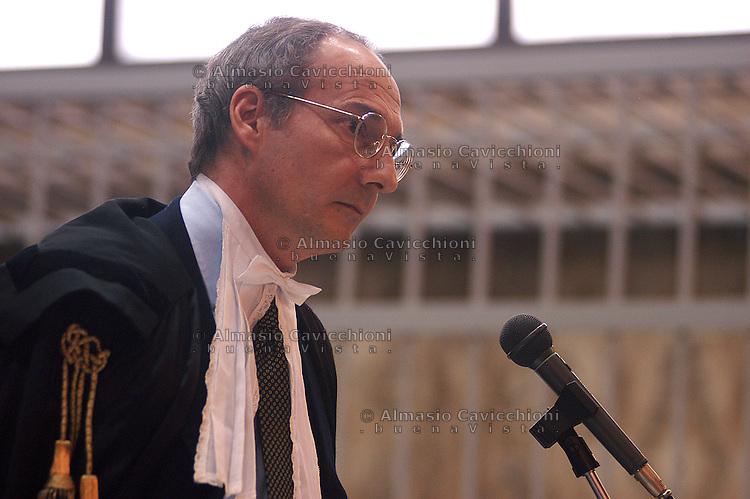 16 DIC 2003 Milano: processo per la strage di P.zza Fontana, PAOLO TEBALDI, avvocato di Delfo Zorzi.DIC 16 2003 Milan: trial for the piazza Fontana slaughter, PAOLO TEBALDI, lawyer of Delfo Zorzi...