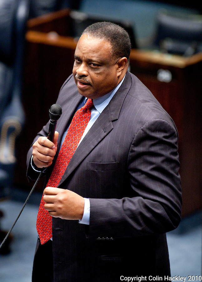 TALLAHASSEE, FLA. 3/2/10-OPENING DAY CH72-Sen. Al Lawson, D-Tallahassee, during the opening day of the legislative session, Tuesday at the Capitol in Tallahassee...COLIN HACKLEY PHOTO