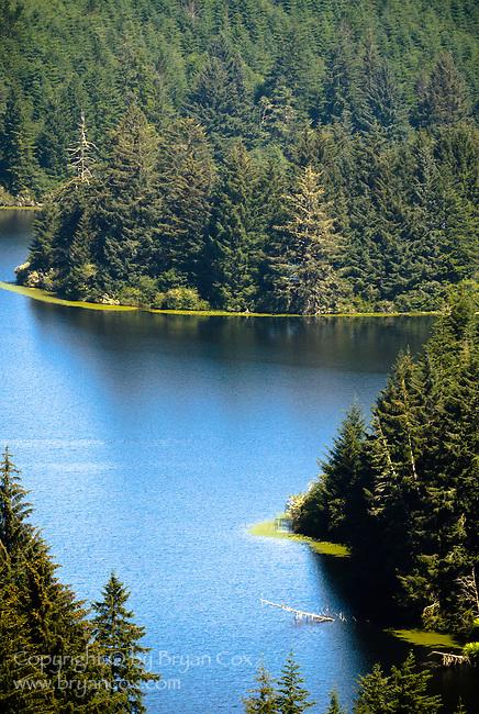 Tahkenitch lake, Oregon