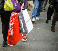 Last minute shopping in New York on Friday, December 23, 2016. Today is the last full day to shop prior to Christmas.  (© Richard B. Levine)