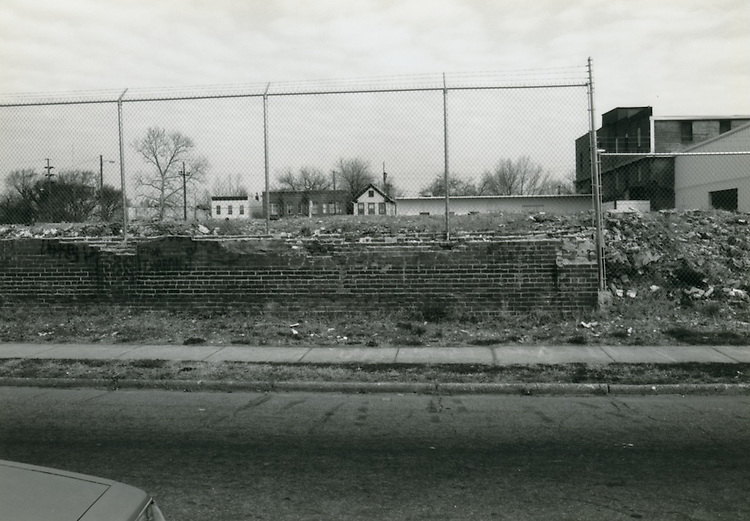 1993 March 22..Conservation.Huntersville 1 (R-70)..North Huntersville Study.Sequence 47.Old Brewery Site Washington Avenue.North side...NEG#.NRHA#.CONSERV:N.Hunt  1   6:11  FR23a.