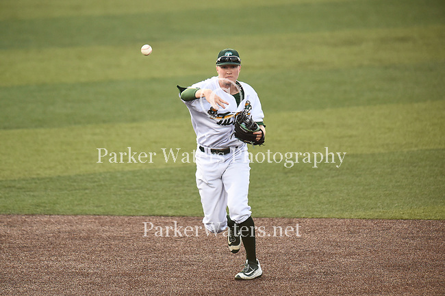 Tulane baseball downs UConn, 8-3, at Greer Field at Turchin Stadium.