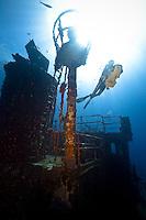 Plongée sur l'Augustin Fresnel à 26 mètre de profondeur. Le scooter sous-marin est un vrai bonheur !