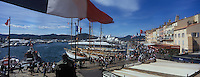 """Europe/Provence-Alpes-Côte d'Azur/83/Var/Saint-Tropez: Le port et le quai Frédéric Mistral   vus depuis la terrasse de l' Hotel """"Sube"""""""