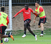 Danny da Costa (Eintracht Frankfurt) gegen Filip Kostic (Eintracht Frankfurt) - 28.08.2018: Eintracht Frankfurt Training, Commerzbank Arena, DISCLAIMER: DFL regulations prohibit any use of photographs as image sequences and/or quasi-video.