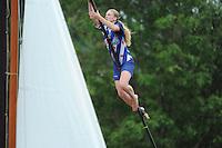 FIERLJEPPEN: BURGUM: 16-07-2016, Keningsljeppen, Marrit van der Wal springt Nederlandsrecord 17.58m, ©foto Martin de Jong