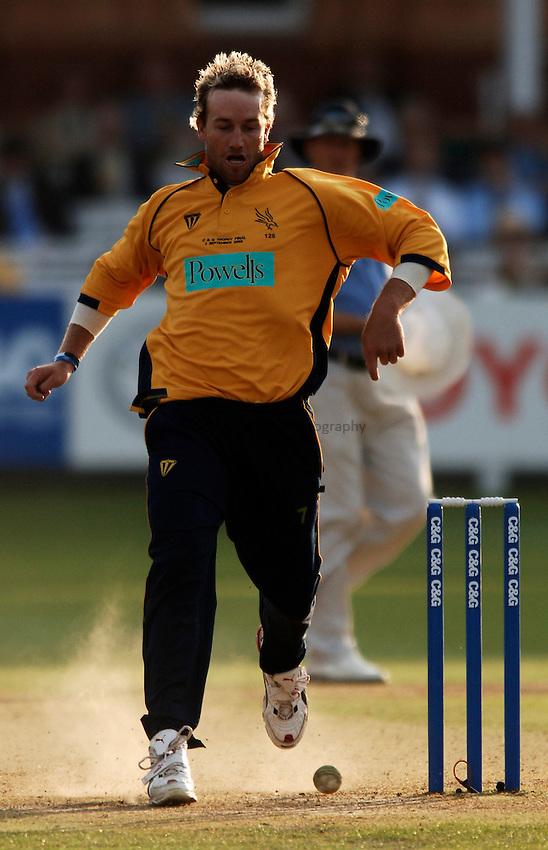 Photo: Glyn Thomas..Hampshire v Warwickshire. C&G Trophy Final..03/09/2005..Hampshire's Sean Ervine.