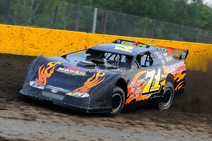 Jul 31, 2009; 7:32:35 PM; New Richmond, WI., USA; The 22nd annual USA Nationals running a 50,000-to-win unsanctioned event at Cedar Lake Speedway.  Mandatory Credit: (thesportswire.net)