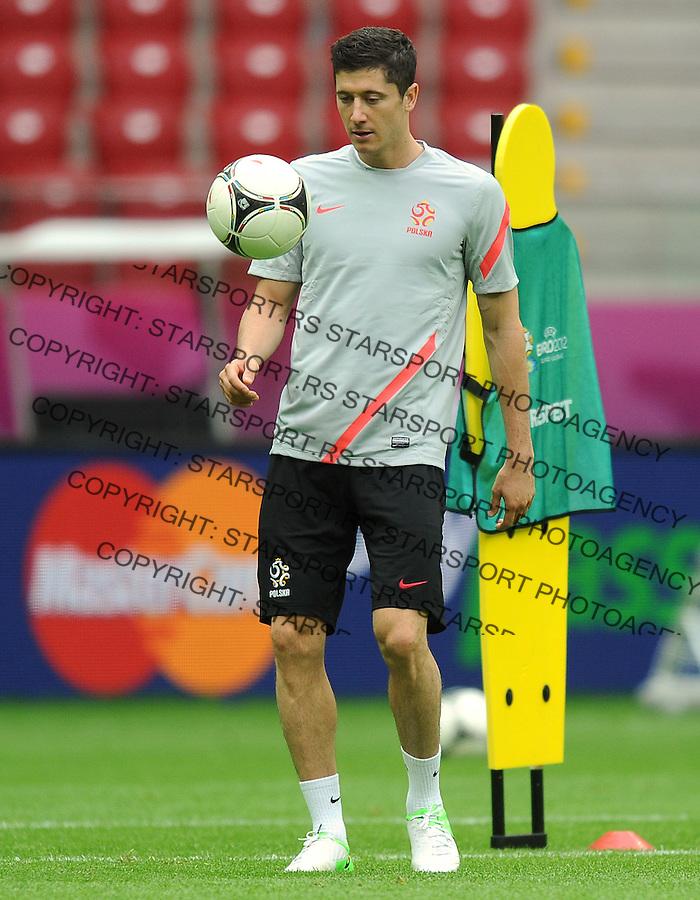 11.06.2012 WARSZAWA STADION NARODOWY.PILKA NOZNA KADRA REPREZENTACJA.MISTRZOSTWA EUROPY W PILCE NOZNEJ EURO2012 POLSKA I UKRAINA.FOOTBALL EUROPEAN CHAMPIONSHIPS UEFA EURO 2012.TRENING PREPREZENTACJI POLSKI .N/Z ROBERT LEWANDOWSKI.FOT LUKASZ LASKOWSKI / PRESSFOCUS NEWSPIXPL.---.Newspix.pl