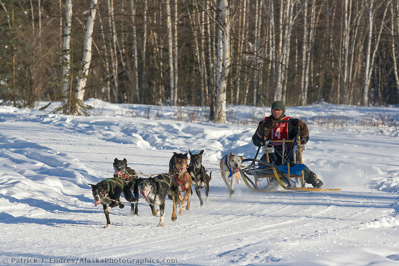 Musher Mike Sanford, 2007 Limited North American Championship Sled dog race in Fairbanks, Alaska.