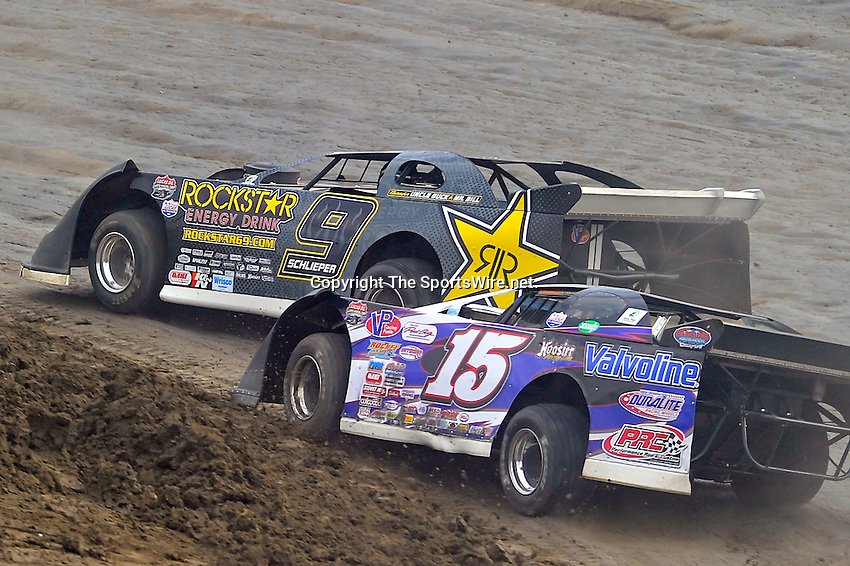 Feb 06, 2010; 4:00:53 PM; Gibsonton, FL., USA; The Lucas Oil Dirt Late Model Racing Series running The 34th Annual Dart WinterNationals at East Bay Raceway Park.  Mandatory Credit: (thesportswire.net)