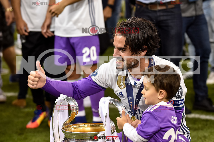 Isco of Real Madrid with the trophy during the UEFA Champions League Final match between Real Madrid and Juventus at the National Stadium of Wales, Cardiff, Wales on 3 June 2017. Photo by Giuseppe Maffia.<br /> <br /> Giuseppe Maffia/UK Sports Pics Ltd/Alterphotos /nortephoto.com