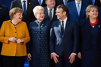Angela Merkel,  Dalia Grybauskaite,Présidente de la République de la Lituanie et le Président français Emmanuel Macron  et le Premier Ministre norvégien lors de la photo de famille au Sommet européen à Bruxelles.<br /> Belgique, Bruxelles, 22 mars 2019 <br /> Chancellor of Germany Angela Merkel, Finland Prime Minister Juha Sipila, Lithuania President Dalia Grybauskaite, President of France Emmanuel Macron and Prime Minister of Norway Erna Solberg talk as they pose for a family photo during the European Union summit.<br /> Belgium, Brussels, 22 March 2019.